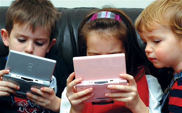 Gadgets addiction for kids : Who is the culprit ?