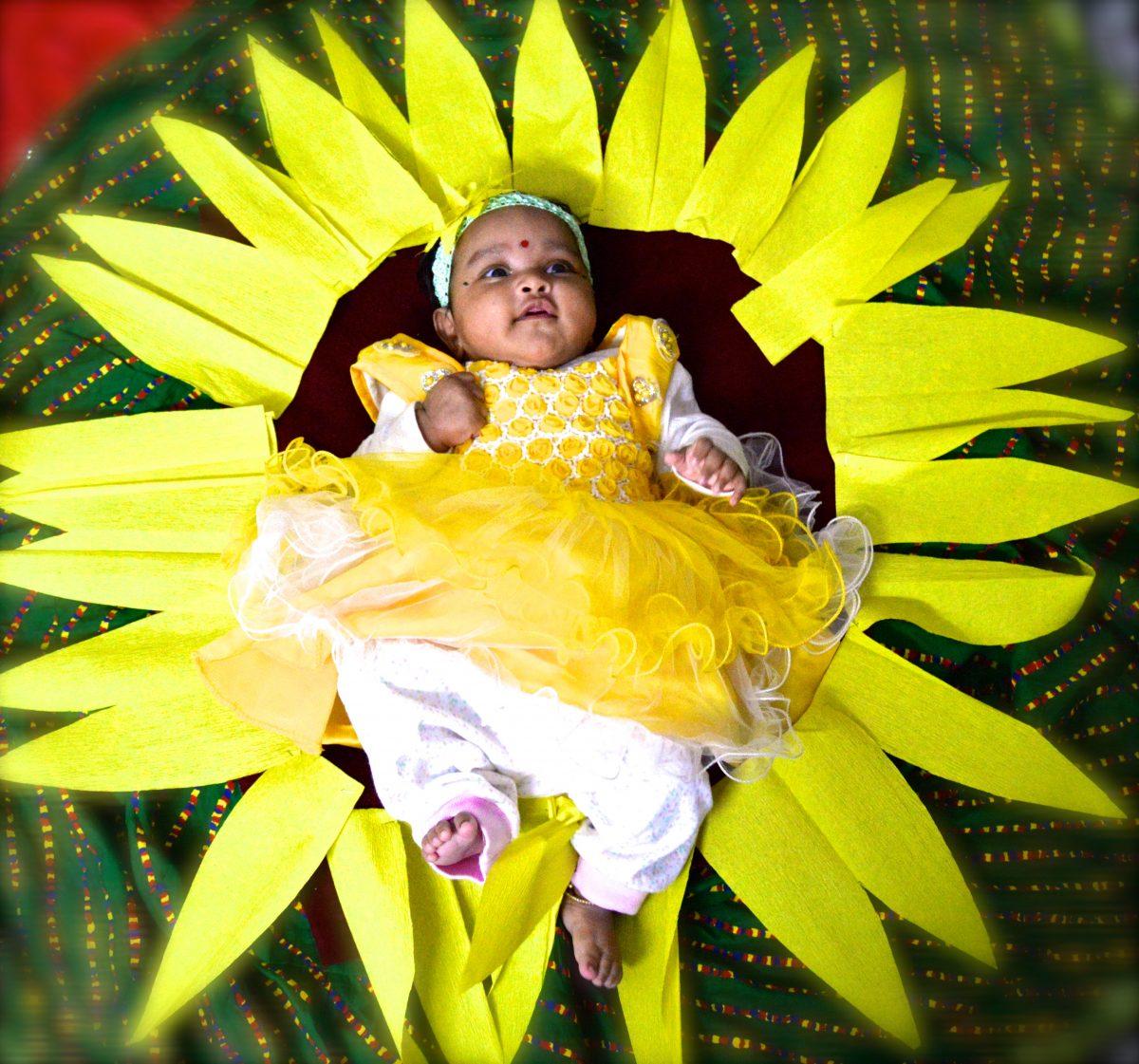 Kids Photoshoot Props 2 : Sunflower