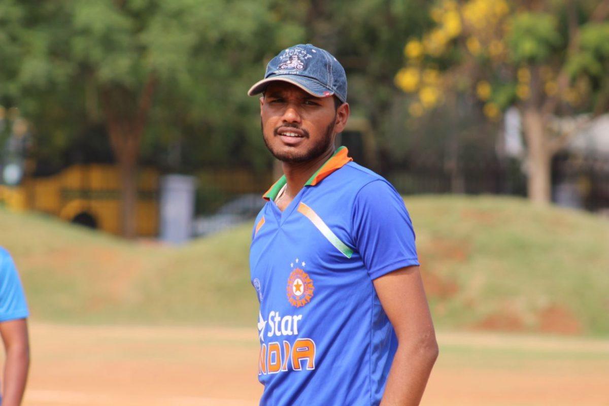 Photo Story #19 Crickettude