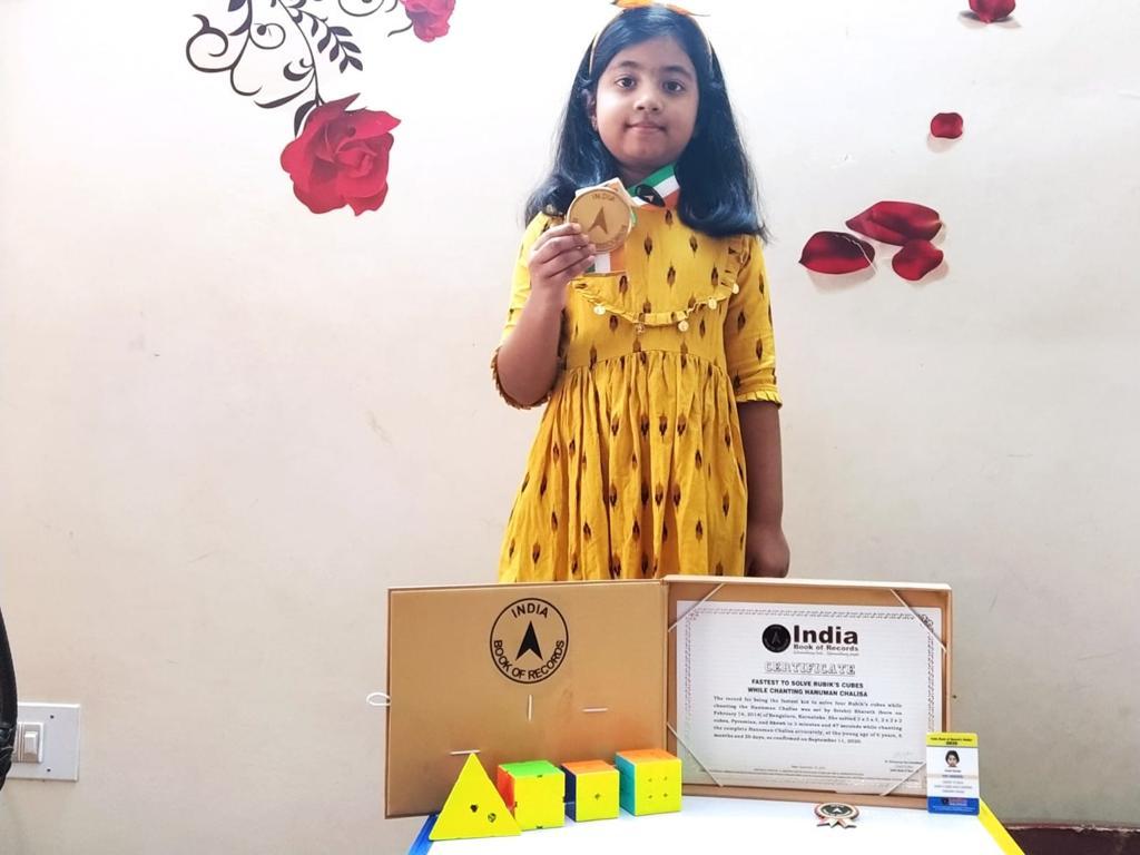 Young blogger Shrishti , the multi-talented